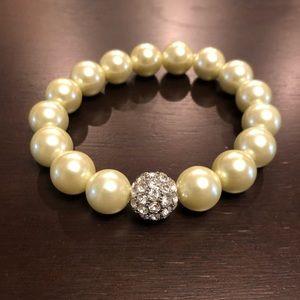 Stella & Dot pearl bracelet